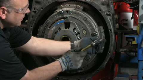 Solo Advantage Heavy-Duty Clutch Installation Video