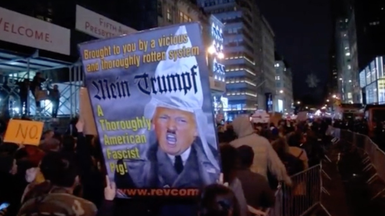 Thousands turn out in Manhattan for anti-Trump protest