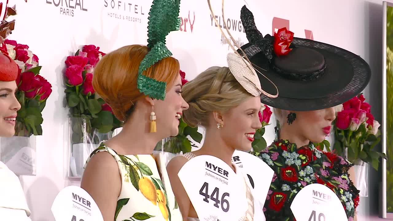 Crown Oaks Day Women